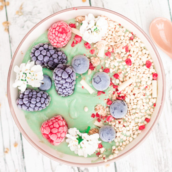 Mermaid Smoothie Bowl mit Spirulina